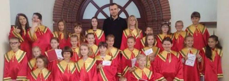 """Koncert scholi """"Maksymilianki"""" w niedzielę 17 grudnia!"""