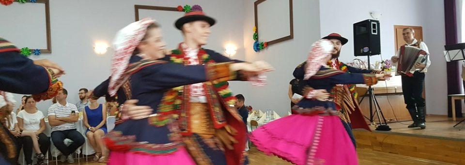 Koło Gospodyń Wiejskich ze Smolca świętowało Dzień Matki i Ojca oraz Zielone Świątki