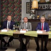 Transmisja z debaty kandydatów na burmistrza oraz sondaż wyborczy
